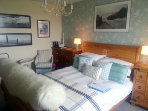 https://selfcateringcottagesorkney.com/wp-content/uploads/2015/07/Old-Granary-Bedroom-300x225.jpg