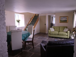 https://selfcateringcottagesorkney.com/wp-content/uploads/2015/07/Old-Granary-Living-Room-300x225.jpg